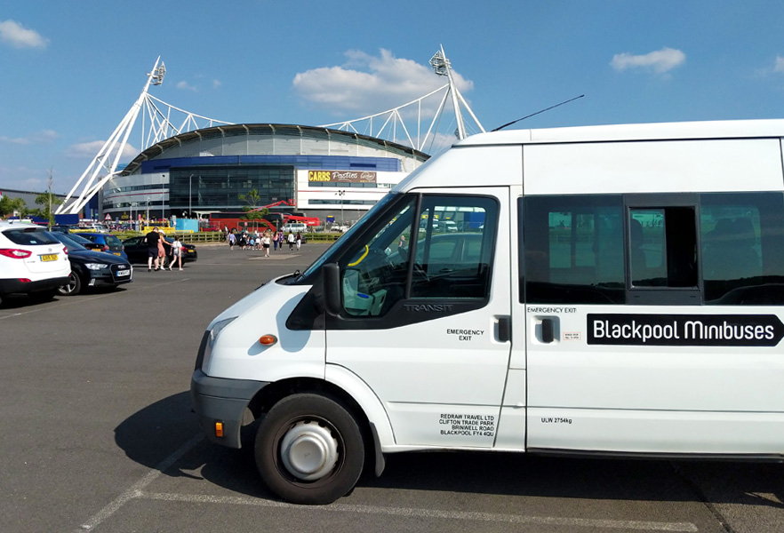 16 seater Blackpool Minibuses minibus – The perfect solution for any day trips across the UK